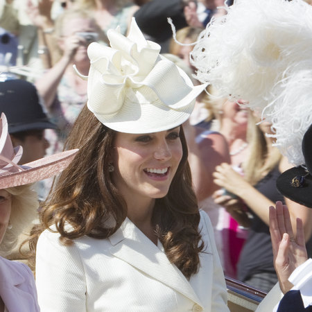 Kate Middleton shows how to wear a big hat