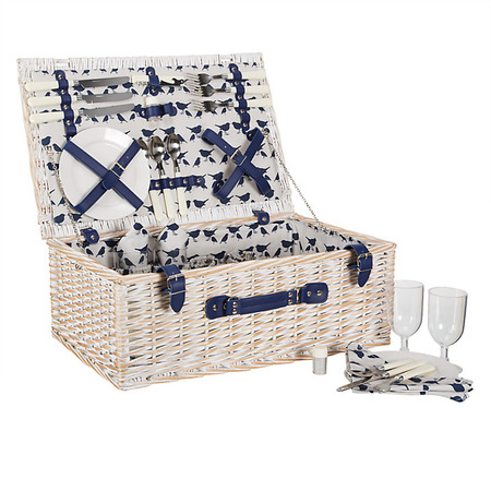 Summer time picnic baskets