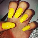 SUMMER NAILS: Jessie J's sunshine yellow nail shade