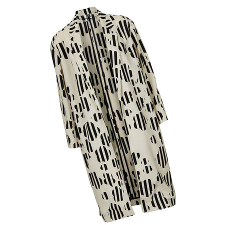Beyoncé wears Topshop daisy print coat