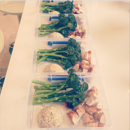 Kelly Brook and Danny Cipriani turkey, brown rice and broccoli lunch box meal