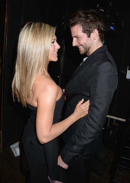Jennifer Aniston and Bradley Cooper dance at Spike TV guys choice awards 2013