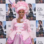 What is pregnant Katie Price wearing at her book launch?