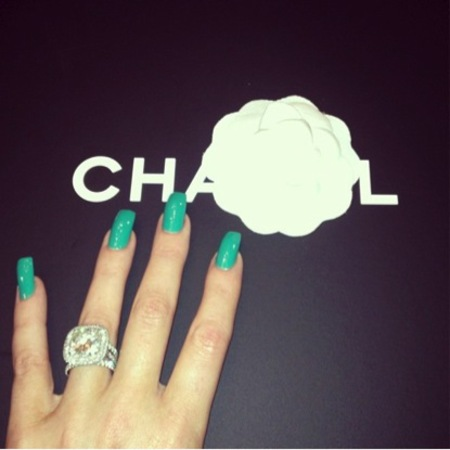 Khloe Kardashian's green nail colour