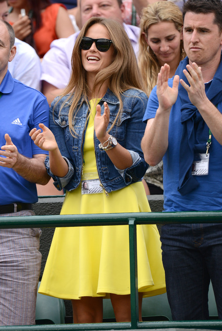 Kim Sears wears yellow dress at Wimbledon 2013