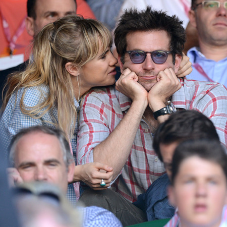 Bradley Cooper and Suki Waterhouse share PDA at WimbledonBradley Cooper And Suki Waterhouse Pda
