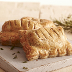 Lamb fillets in herb pastry parcels