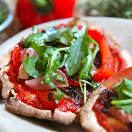 Wholegrain Pitta Pizzas with Roasted Red Pepper and Prosciutto