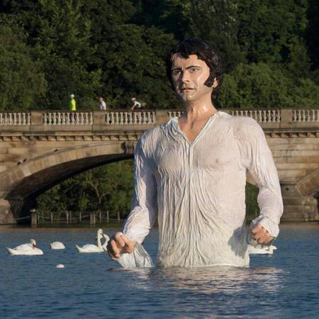 Giant Mr Darcy emerges from Hyde Park