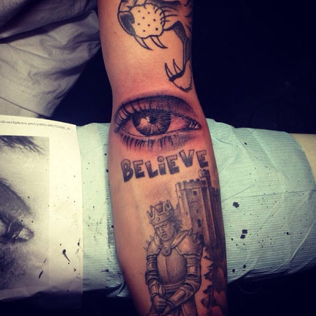 Justin Bieber unveils new mum's eye tattoo on arm
