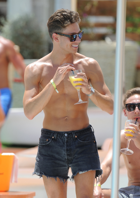 Joey Essex wears short shorts on holiday