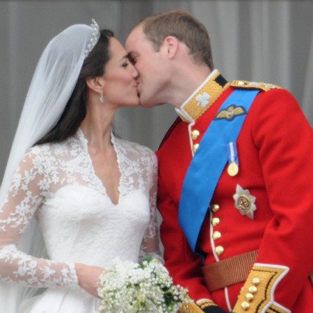 Kate Middleton and Prince William share balcony kiss after royal wedding