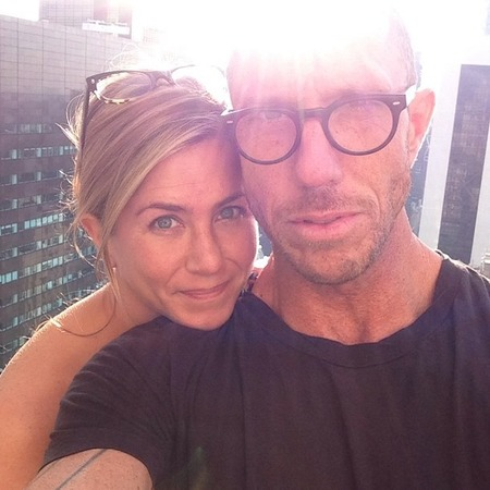 Jennifer Aniston goes makeup free in rare selfie