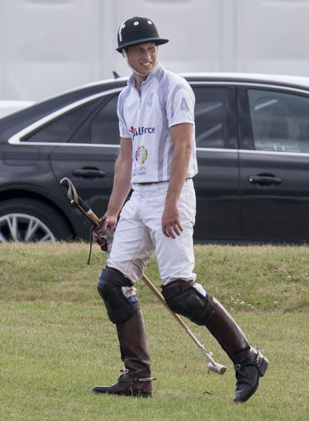 Prince Wiliam plays at charity polo match