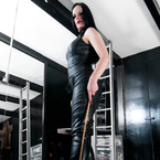 We chat to professional dominatrix Rebekka Raynor