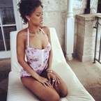 Rihanna shows us how to holiday like a celebrity