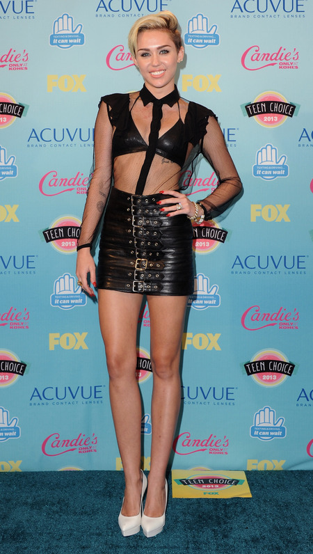 Miley Cyurs at Teen Choice Awards 2013