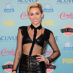 RED CARPET: Miley Cyrus leads Teen Choice Awards
