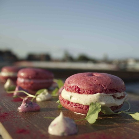 Beetroot macaroons recipe
