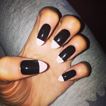 Jessie J black and white nails for Strictly Come Dancing
