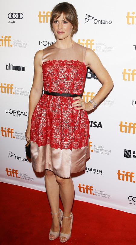 Jennifer Garner in a lace dress