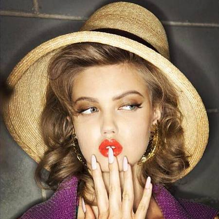 Lindsey Wixson makeup at DSquared2 Milan Fashion Week SS14