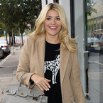 Holly Willoughby rocks a camel coat, like Fearne Cotton