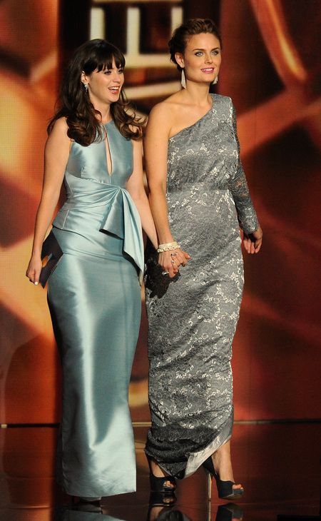 Zooey and Emily Deschanel in matching dresses at Emmy 2013