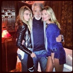 Cara Delevingne and Kate Moss serenaded by Tom Jones