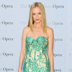 Heather Graham glows in green Naeeme Kahn