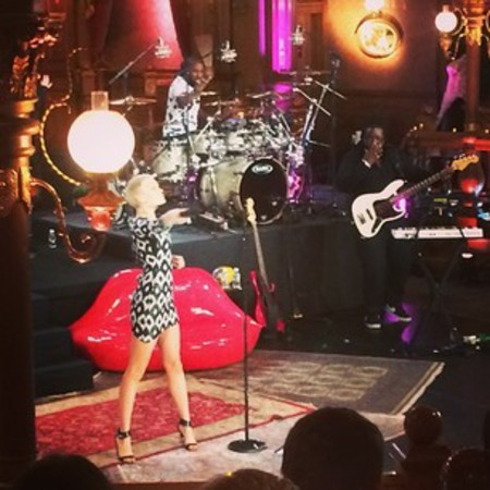 Jessie J live@home in Paris sequin outift
