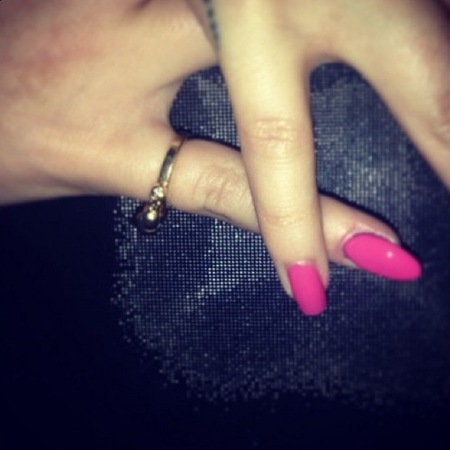 Cheryl Cole and Kimberley Walsh paint pinkie pink for Breast Cancer Care with Nails Inc