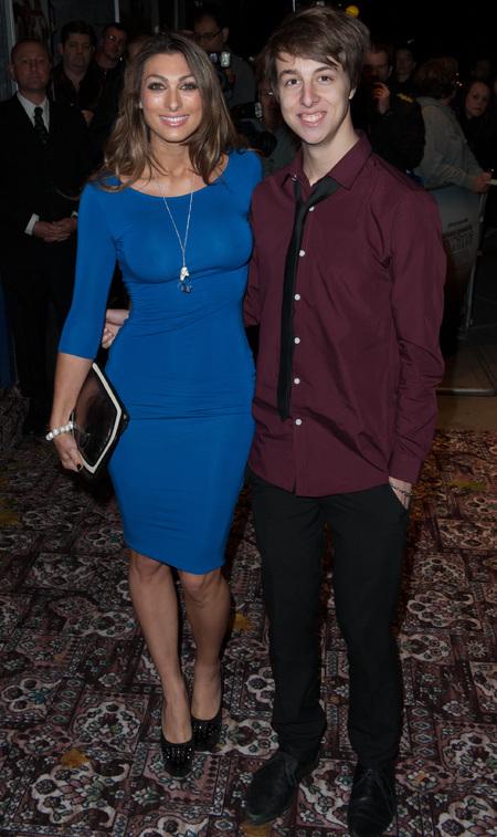 Luisa Zissman - braless nipple flash - blue dress - jackass bad grandpa premiere london - handbag.om