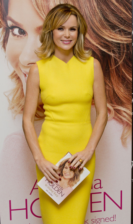 amanda holden autobiography - book signing - yellow dress - handbag.com