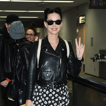 Katy Perry - Tokyo airport