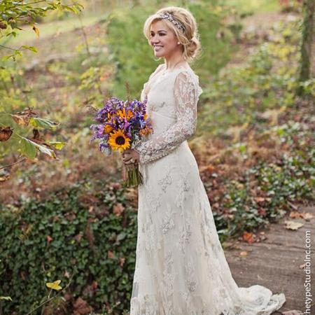 Kelly Clarkson's wedding dress
