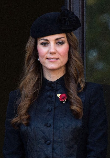 Kate Middleton - navy coat - rememberance sunday - 11.11.13 - black hat - poppy