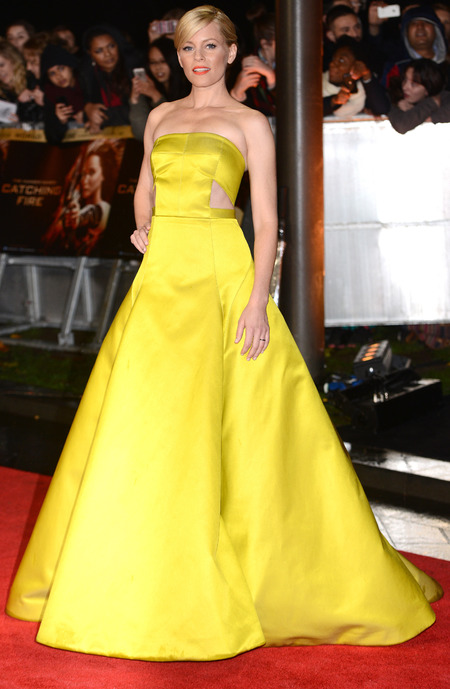 elizabeth banks - yellow dress - hunger games catching fire - london premiere 2013 - handbag.com
