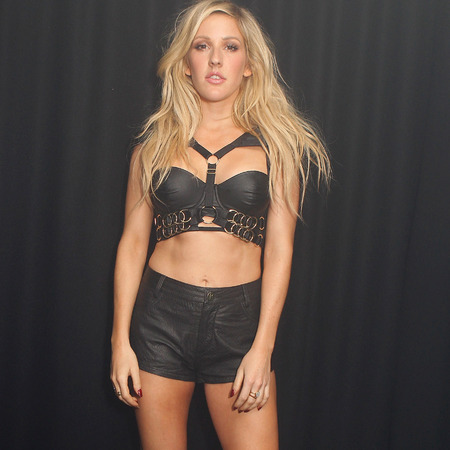 ellie goulding in leather shorts and bra - toned stomach muscles and abs - awesome legs - black leather celebrity trend - handbag.com