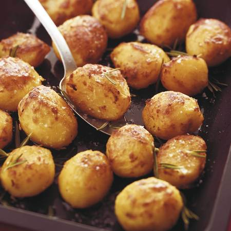 How to make the perfect roast potatoes - Christmas recipe - cooking how to - recipes - handbag.com