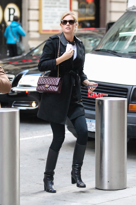 Kate Upton - chanel quilted handbag - burgundy - celebrity sighting
