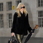 Fearne Cotton rocks a black doctor's handbag