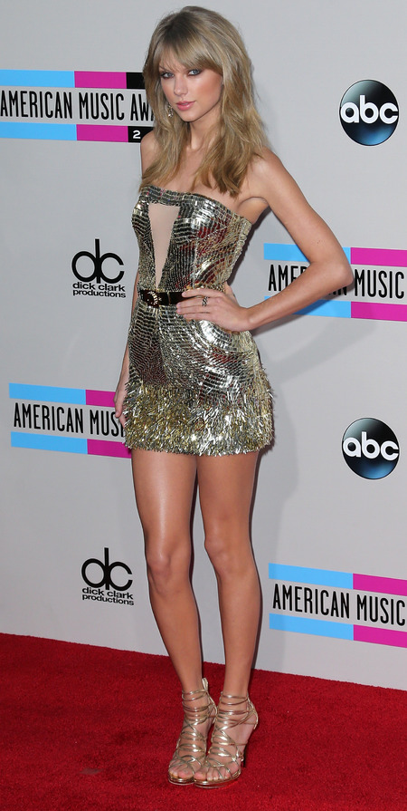 taylor swift - new hair - gold mini dress - sequin dress trend - American Music Awards 2013 AMAs - handbag.com