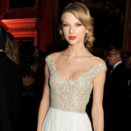 Taylor Swift glams up the white trend