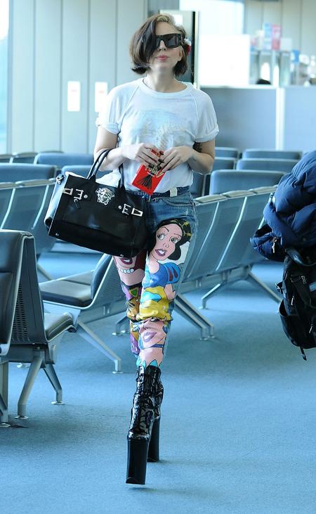 Lady Gaga - Versace handbag - celebrity sightings - handbag.com