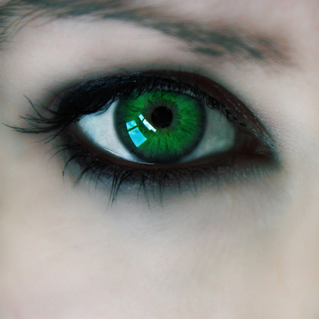 green eyed monster - coping with jealousy - life news - handbagcom