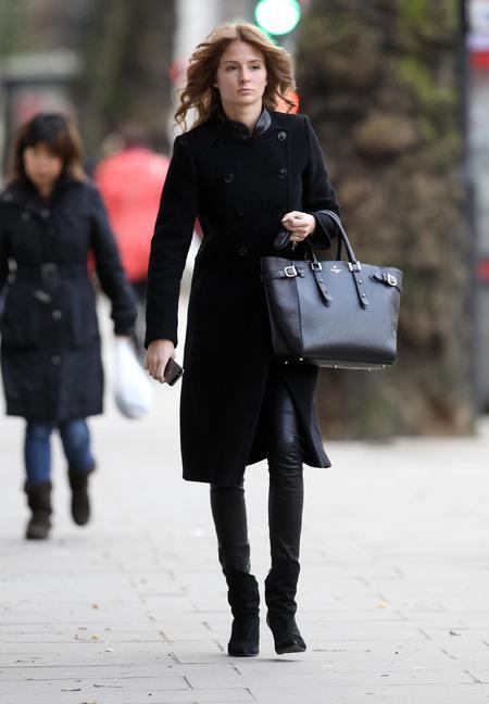 Milli Mackintosh - aspinal of london handbag - marylebone tote - winter chic style - handbag.com