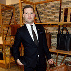 Can Dermot O'Leary pull off a man bag?