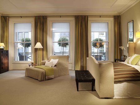 Brown's hotel review - London hotel review - bedroom - london city guide - travel - handbag.com