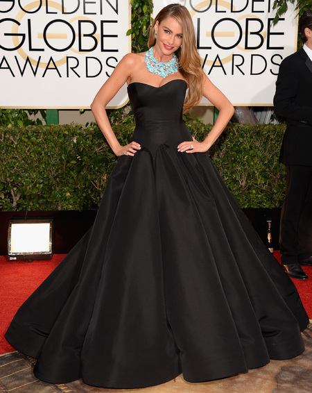 sofia vegara big black ballgown dress at golden globes 2014 - celebrity awards season dresses - handbag.com